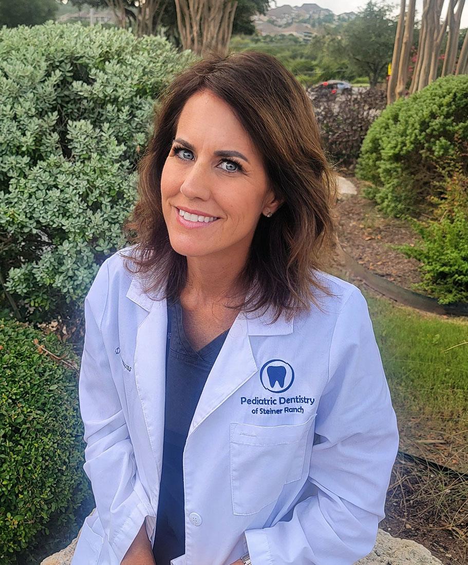 Dr. Traci Simons